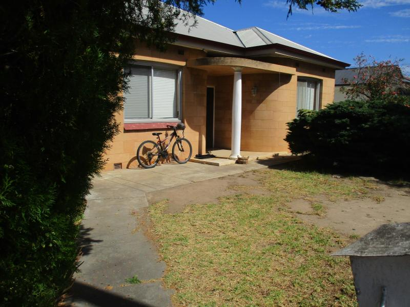 3 bedroom home on easily magaed land