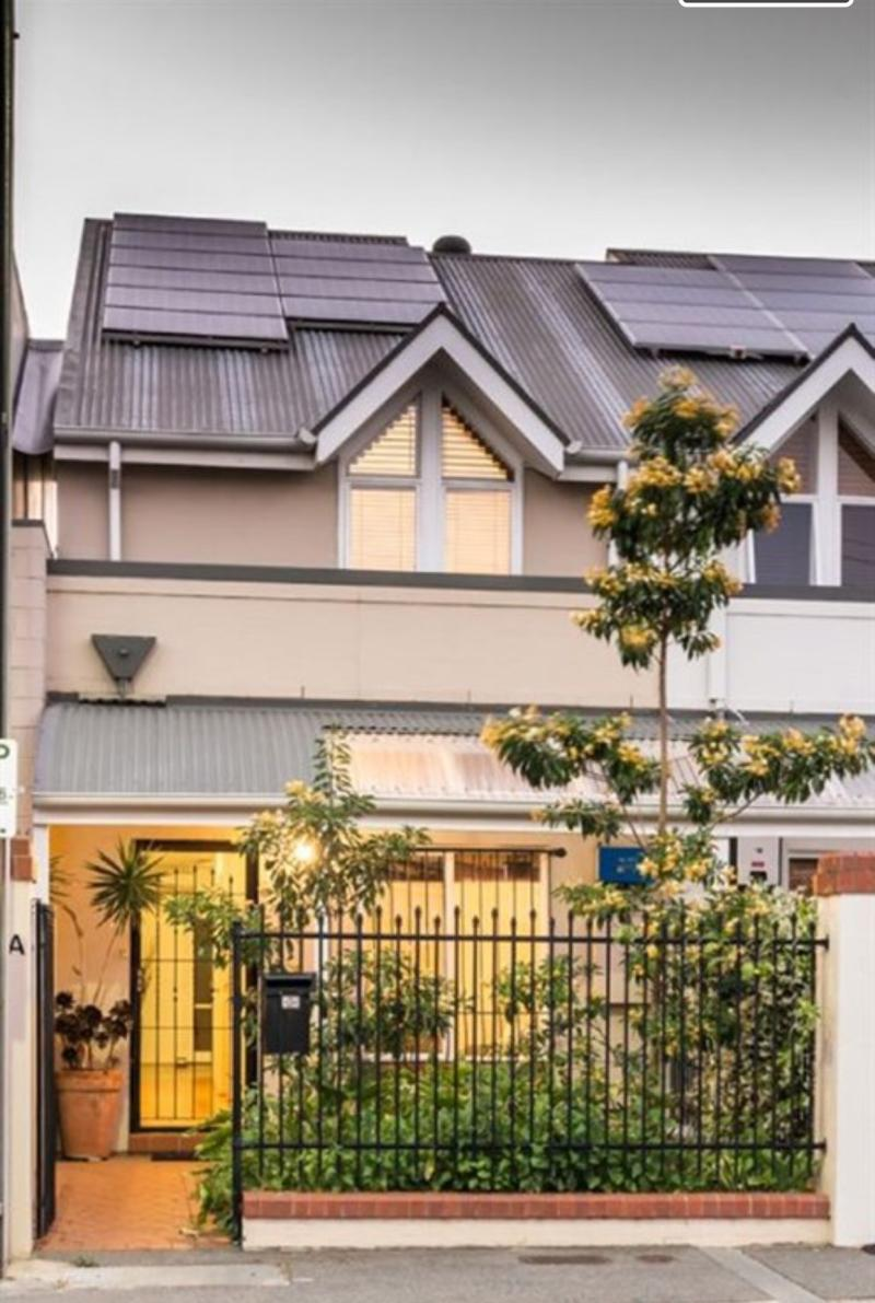 3brm TRI LEVEL HOME-WALK TO HUTT ST AND THE PARKLANDS