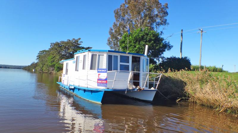 CRUISE THE CLARENCE ON YOUR VERY OWN HOUSEBOAT