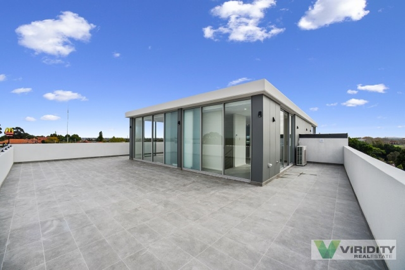 APPLICATION TAKEN!! BRAND NEW AND LUXURIOUS 3 BEDROOM LOFT STYLE PENTHOUSE..