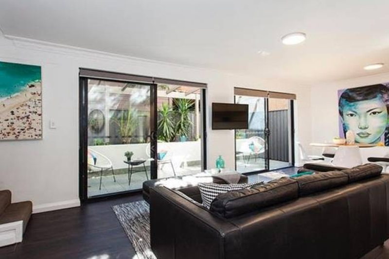 Image of 2/4 WARNERS AVENUE   NORTH BONDI NSW