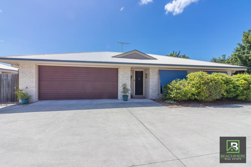 GREAT UNIT CLOSE TO THE BEACH AND TOWN.