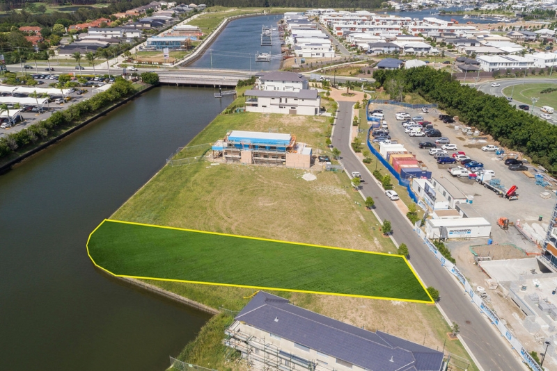 North-facing waterfront block, secure 24 hour gated estate, bridge free boating, golf